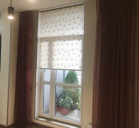 Ткань Одуванчик бежевый монтаж в проем окна
